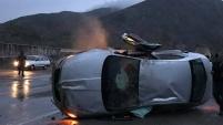 Pirahmet kavşağında kaza: 2 yaralı