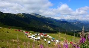 Dağcılar Altınpınar gölünde kamp kurdu