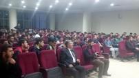 Fatih Akyel üniversite öğrencileriyle söyleşi yaptı
