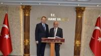 Bayburt Valisi Odabaş, Vali Yavuz'u ziyaret etti