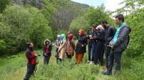 Genç fotoğrafçılar makro eğitiminde