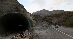 Gümüşhane'de ki bu tünel 'Bolu Tüneli' olma yolunda hızla ilerliyor