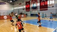 Küçükler voleybol yarıfinal müsabakaları Gümüşhane'de