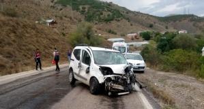 Gümüşhane'de trafik kazası: 3 yaralı