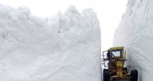 Gümüşhane yaylalarında karla mücadele devam ediyor