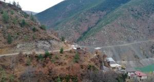 Mahalle yolundaki çökme tünel inşaatını durdurdu