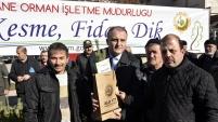 Gümüşhane'de 'Çam kesme, fidan dik' sloganıyla vatandaşlara çam fidanı dağıtıldı