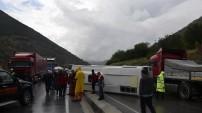 Torul'da trafik kazası: 13 yaralı