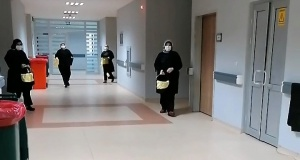 Gümüşhane'de sağlık çalışanları arkadaşlarını alkışladı