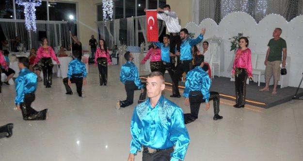 Gümüş Dans Topluluğu Kıbrısta gösterilerini sunuyor