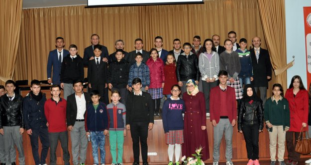 Gümüşhane'de Öğrenciler İl Öğrenci Meclisi Başkanını Seçti