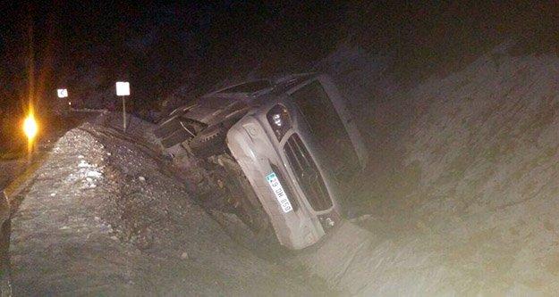 Gümüşhane'de yolcu minibüsü yan yattı: 7 yaralı