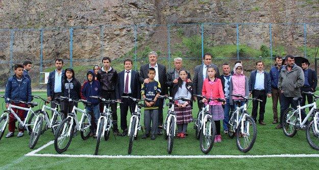 Gümüşhane'de bisikletlerin dağıtımı tamamlandı
