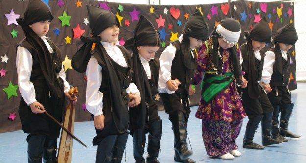 Nesrin Halit Zarbun'da okul öncesi şenliği ve mezuniyet töreni
