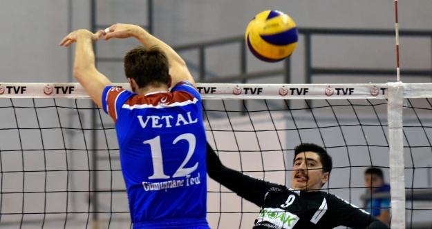 Torul Gençlik rakip tanımıyor: 3-0