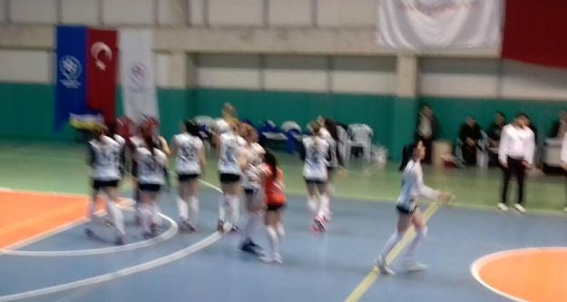 Gümüş Kızlar iyi bitirdi: 3-1