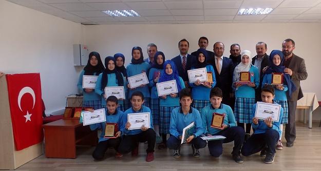 İmam Hatip ortaokulunda Kuran-ı Kerim ve Ezan okuma yarışması düzenlendi
