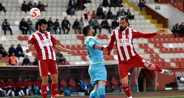 Gümüş'ten play-off rakiplerine gözdağı: 3-0
