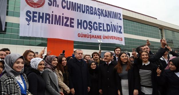 Cumhurbaşkanı Erdoğan üniversite öğrencileriyle sohbet etti