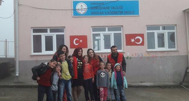 Gönüllü gençler Akocak köyünde