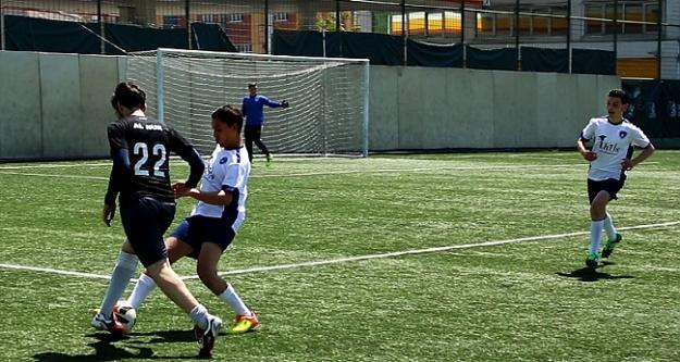 Futbolda U14 şampiyonası Gümüşhanede