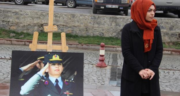 Ülkü Ocaklarından 'Cefakar Türk Kadını' sergisi
