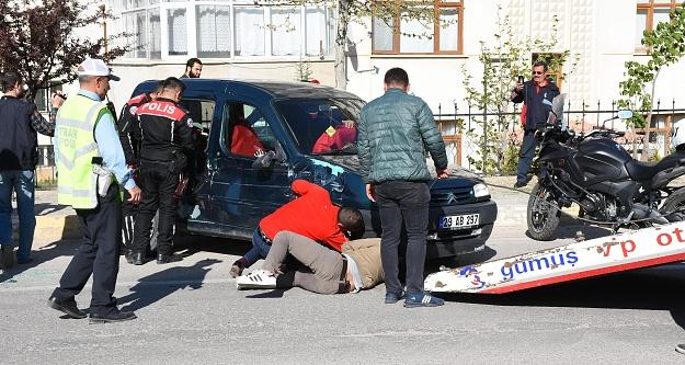 Ehliyetsiz sürücü polisten kaçtı, kaza yaptı: 5 yaralı