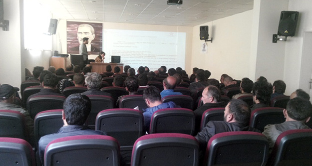 Hükümlülere engelli evde bakım hizmetleri ve sosyo ekonomik destek konulu seminer verildi