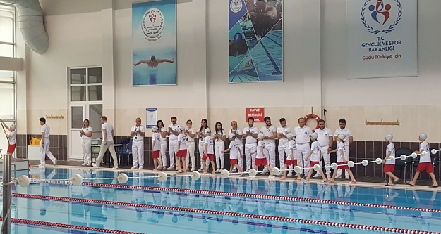 Yüzme yarışmaları tamamlandı