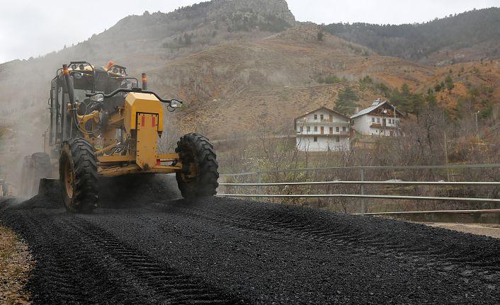 İl Özel İdaresi asfalt çalışmalarına devam ediyor