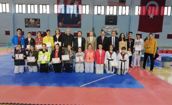 Taekwondo grup müsabakaları tamamlandı