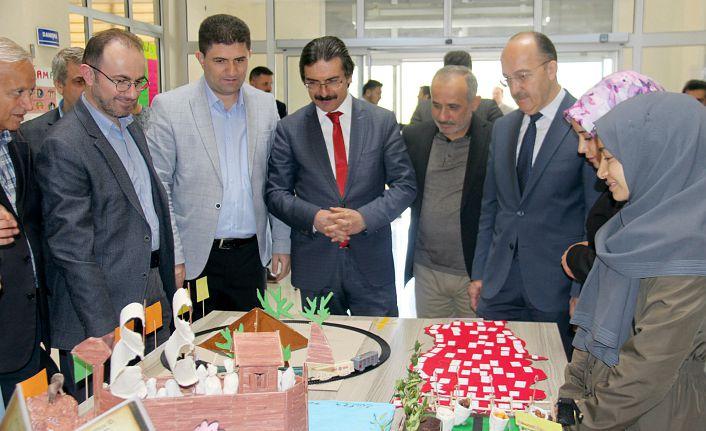 GÜ'de öğretim teknoloji ve materyalleri sergisi