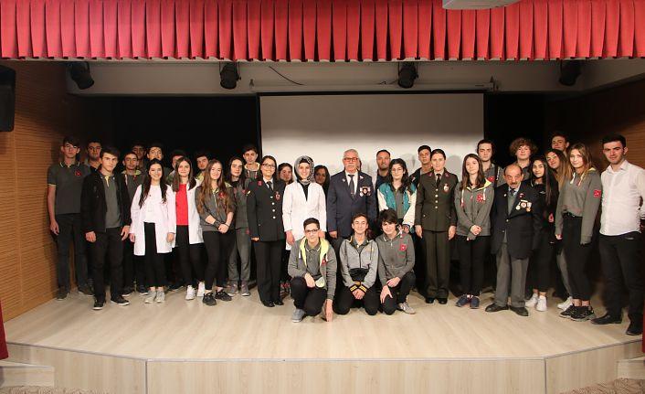 Jandarma 990 lise öğrencisine şehitlik ve gazilik bilincini anlattı