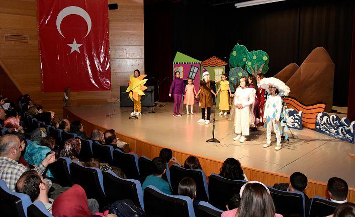 'Hayatımızın Renkleri' sahnelendi