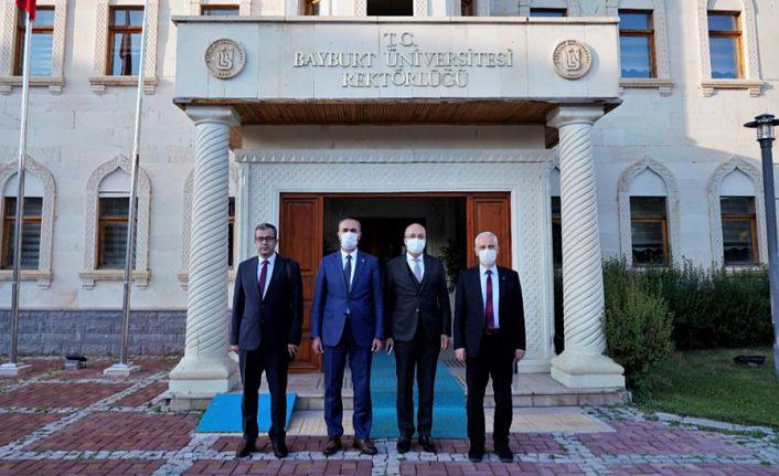 Rektör Zeybek'ten Türkmen'e hayırlı olsun ziyareti