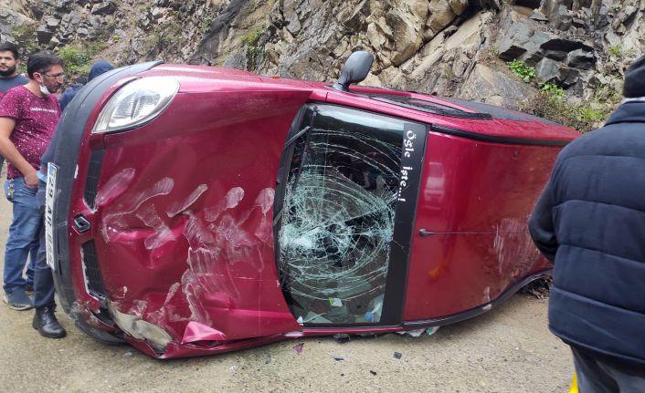 Kürtün'de trafik kazası: 2 yaralı