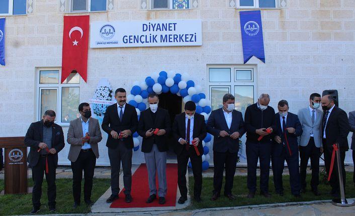 Şiran'a Gençlik Merkezi Açıldı