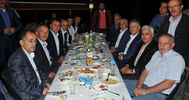 Başkan Çimen AK Parti teşkilatına iftar verdi