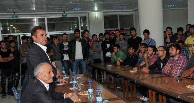 Başkan Çimen, Öğrencilerin Sorunlarını Dinledi
