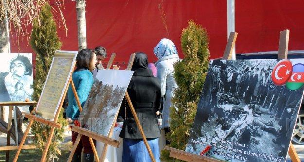 Gümüşhane'de Hocalı Katliamının Yıldönümünde Fotoğraf Sergisi Açıldı
