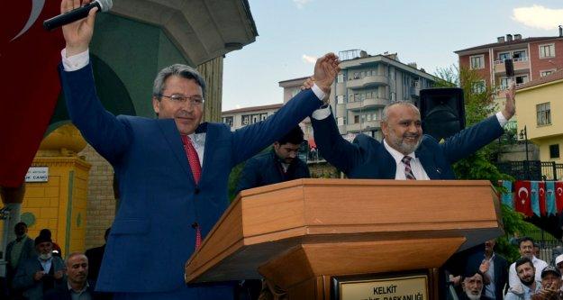 Şevki Yılmaz Kelkitte Türkiyenin Dününü Bugününü Anlattı