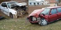 Kelkitte iki araç kafa kafaya çarpıştı: 6 yaralı