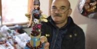 Anadolu kadınının çilesini oyuncak bebeklere işliyor