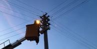 Arızalı sokak lambaları değişiyor