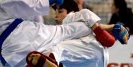 Okullar Arası Gençler Karate müsabakaları Gümüşhanede başladı