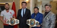 Dünya Şampiyonu Kick Boksçudan Vali Memişe ziyaret