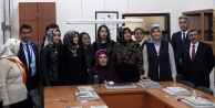 Emine Erdoğan Halk Eğitim Merkezindeki Gümüş Kursunu ziyaret etti