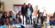 Gümüşhane Üniversitesi öğrencileri Kale Koçkaya İlkokuluna misafir oldu