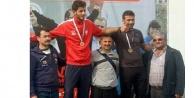 Onur Türkiye rekorunu yeniledi