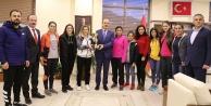 GÜ Bayan Futsal takımı 1.ligde